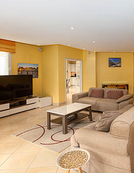 Rental Furnished 4 BR Flat in Divonne from CHF 194.00 per nigh
